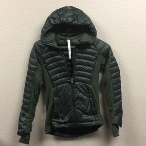 Lululemon down for a run jacket Sz 4